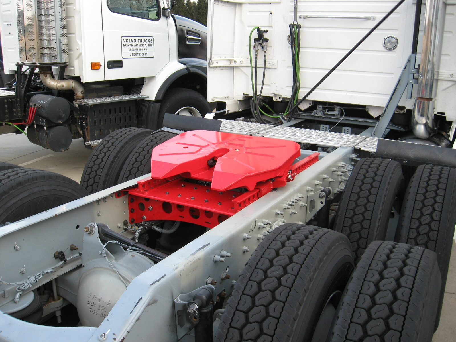 Volvo Trucks and Fontaine Create New Fifth Wheel System