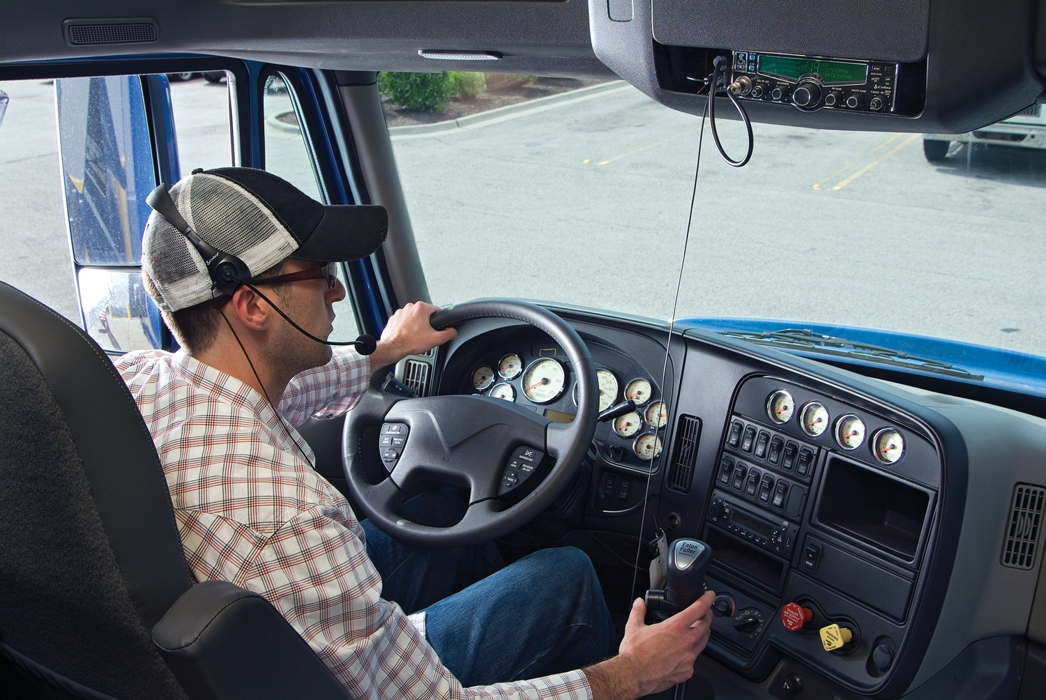 Paramount Truck Sales >> Cobra Electronics debuts CB radio microphone system