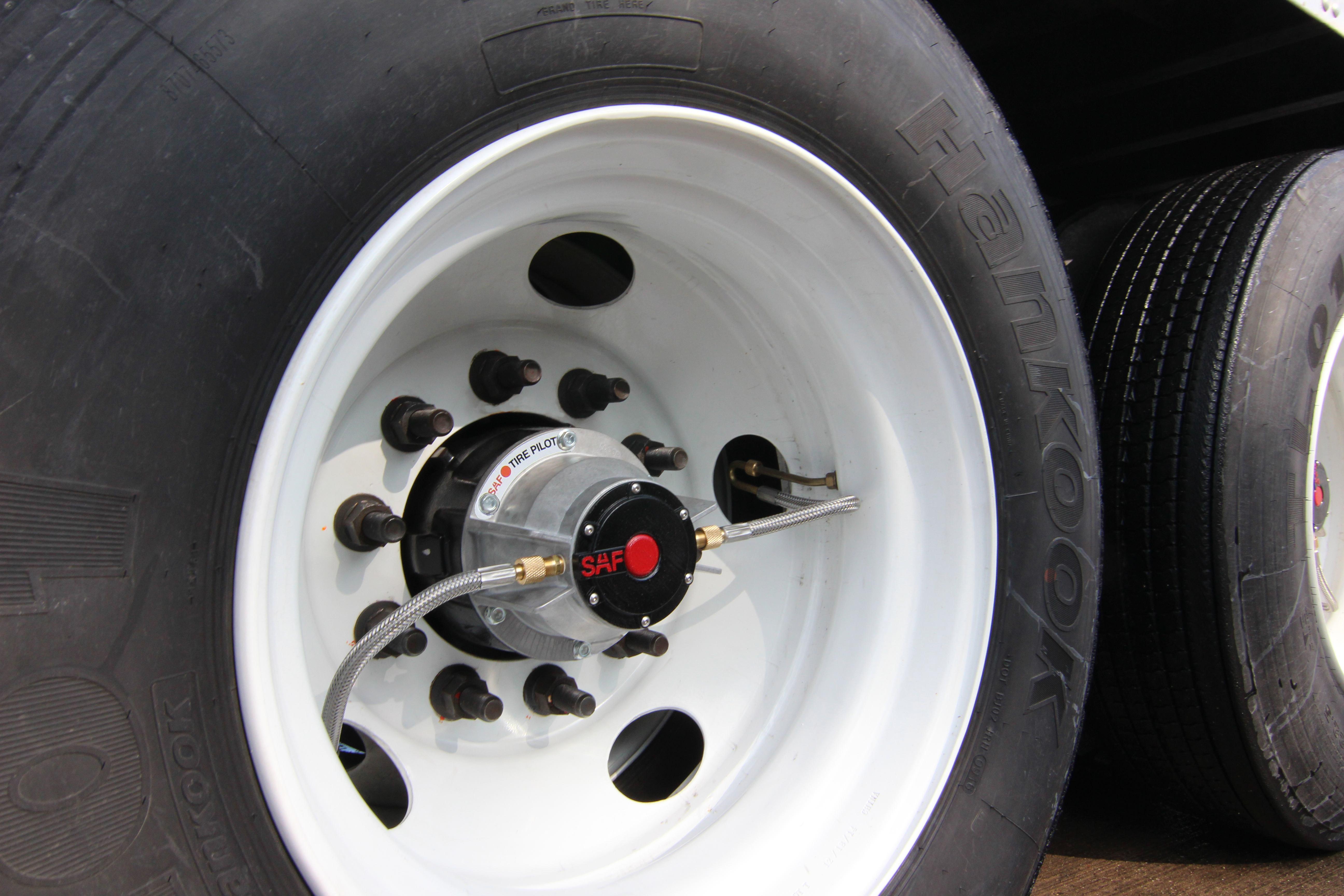 brand new tire inflation system from saf holland. Black Bedroom Furniture Sets. Home Design Ideas