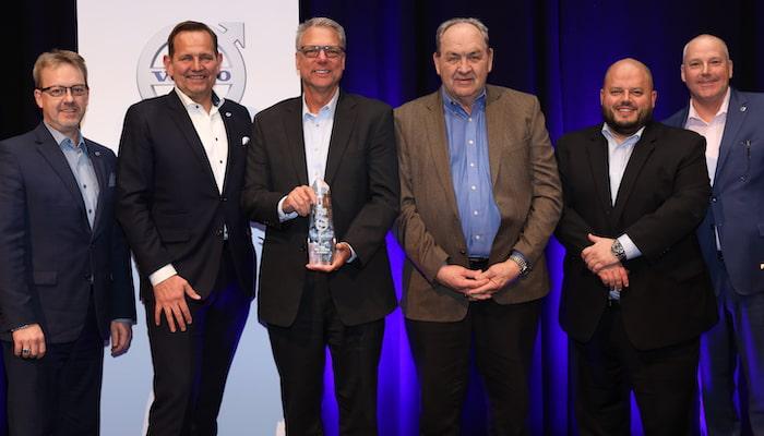 Volvo Trucks Names M U0026k Truck Centers Dealer Group Of The Year