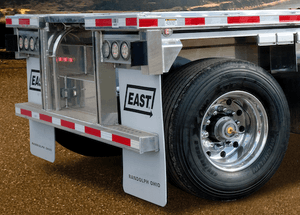 East Manufacturing flatbed trailer with tire inflation system
