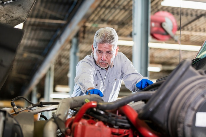 A properly structured performance evaluation can help technicians improve performance and allow managers to lay out career development opportunities.